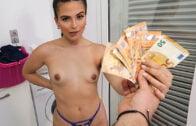 BrownBunnies – Sarai Minx Shower With Sexy Ebony Stepdaugher