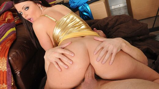 BigButtsLikeItBig - Sophie Dee - The Ass That Tails!