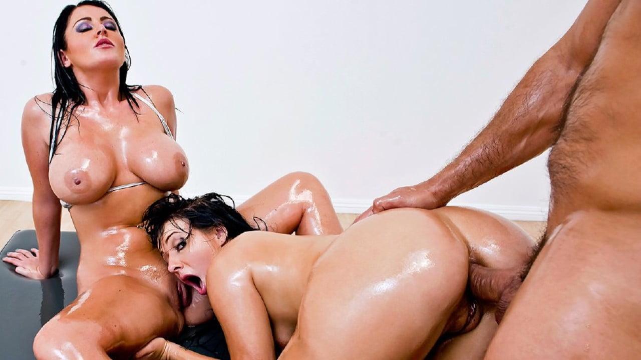 BigWetButts – Ashli Orion And Sophie Dee – A Totally Epic Threesome, Perverzija.com