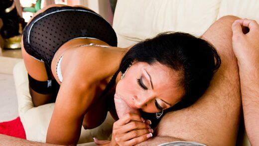 RealWifeStories - Kiara Mia - Her Lonely Pussy