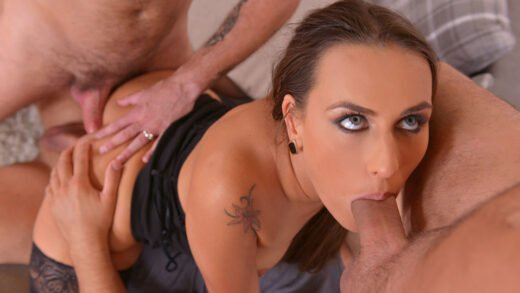 HandsOnHardcore - Mea Melone - Foursome Heaven - Czech Glamour Babe Gets Hardcore Fucked