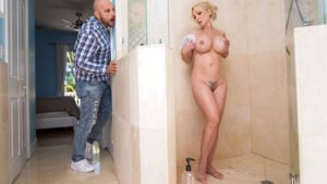 TouchMyWife – Maggie Green – Horny Wife Promises… JUST a Blowjob for Landscaper, Perverzija.com