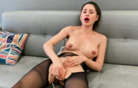 TrueAmateurs – Jessica Starling – Jessica Lets Her Boyfriend Cum Inside Her Pussy
