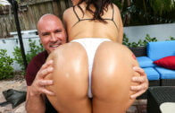 AssParade – Harley Jade and the 40 Inches of fantastic ass