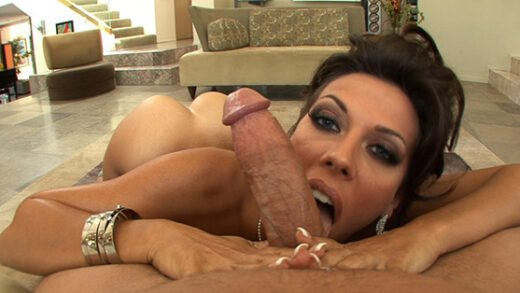 [YourMomDoesPorn] Rachel Starr (Impales Her MILF Pussy On A Huge Dick / 06.04.2021)