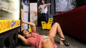 BrazzersExxtra – Kayley Gunner And Jenna Starr – Fucking The Slutty Scrunchie Lickalikes, Perverzija.com