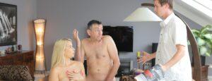 Private – Daphne Klyde And Nikky Dream Share A Lucky Stud, Perverzija.com