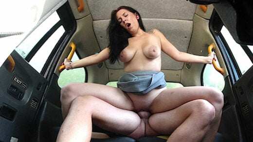 [SexInTaxi] Sarah Simons (She used the driver to take revenge on her boyfriend / 08.05.2021)