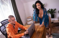 FakeHostel – Crystal Swift And Jarushka Ross – Slippery Situation