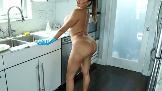 MyDirtyMaid - Julianna Vega - Cleaning Up The House And The Hard Cock