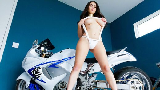 TeenCurves - Valentina Nappi - Motorcycles And Monster Curves