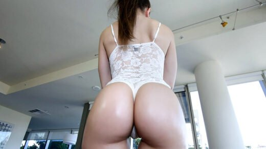 TeenCurves - Alexis Rodriguez - Butter Pecan Rican