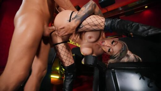BigWetButts - Karma RX - From The Big Screen To His Lap